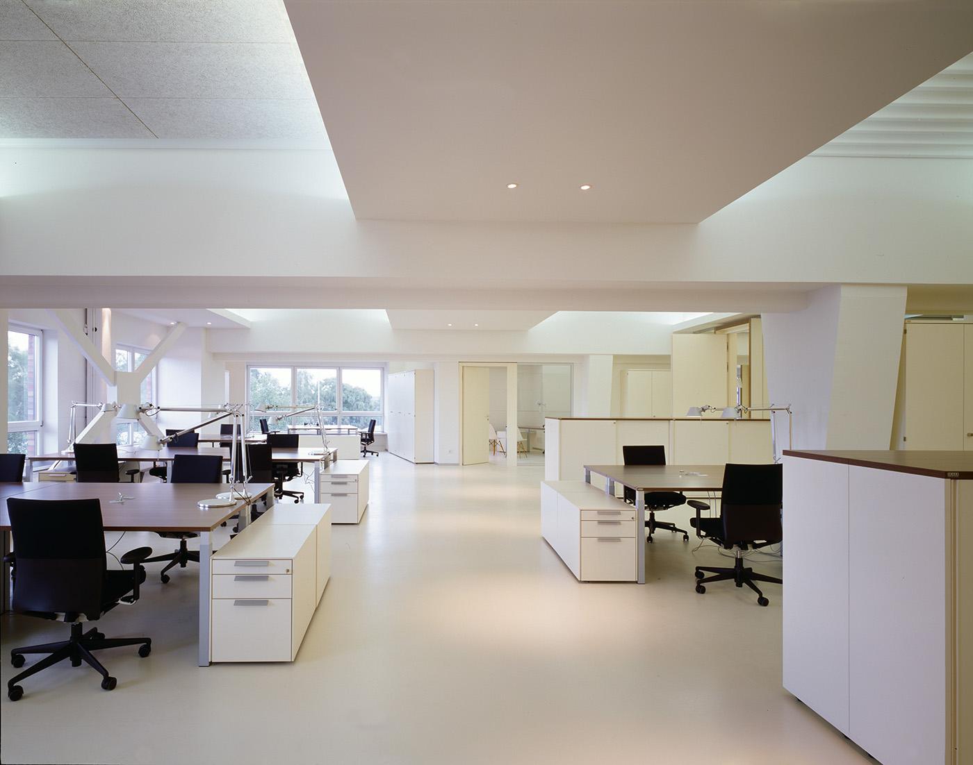 umbau und m beldesign f r die firmenzentrale olsen. Black Bedroom Furniture Sets. Home Design Ideas